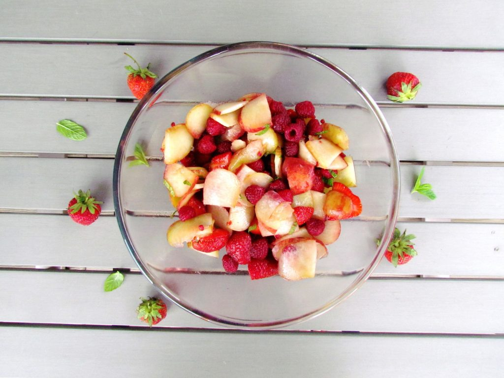 summer-peach-berry-salad